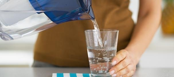 Filtry pogarszają jakość wody z kranu, dowodzą badania